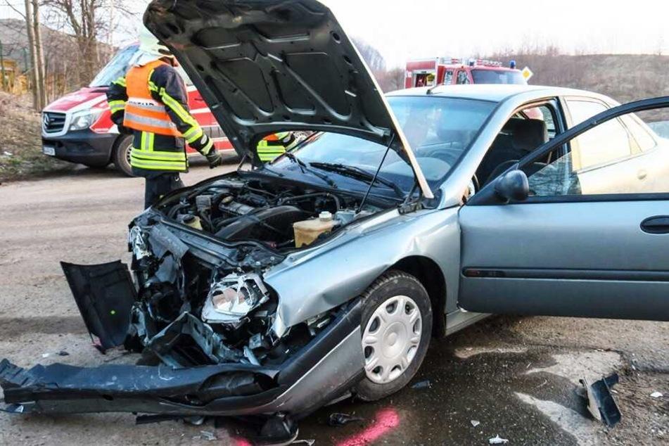 Autobahnzubringer nach schwerem Crash voll gesperrt