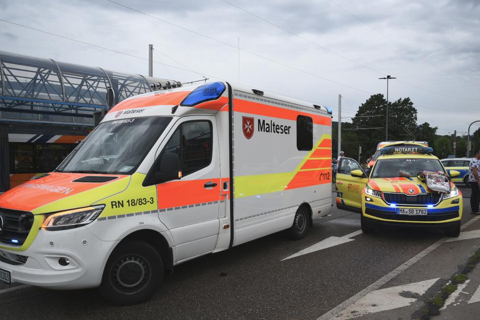 Zwei Mädchen von Auto erfasst und verletzt