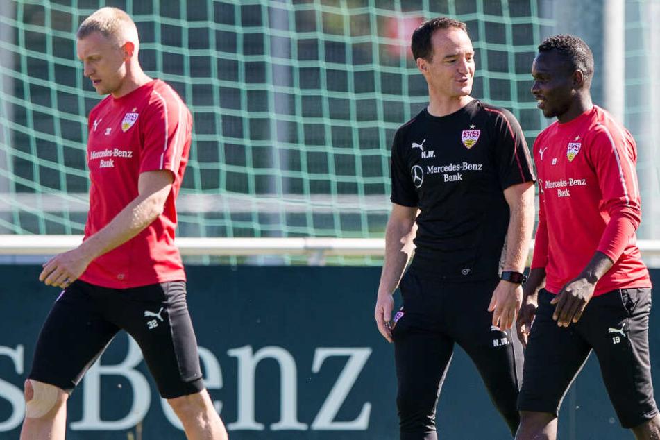 Nico Willig (Mitte) beim Training am Ostersonntag mit Chadrac Akolo (rechts). Im Hintergrund: Andreas Beck.