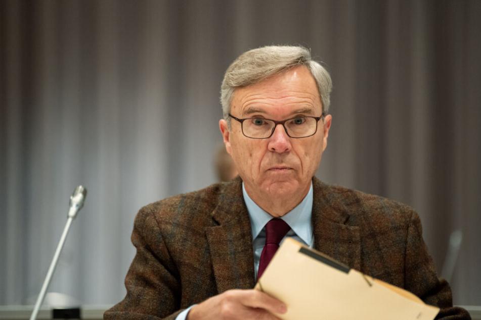 Psychiater Henning Saß stellt sein Gutachten vor.