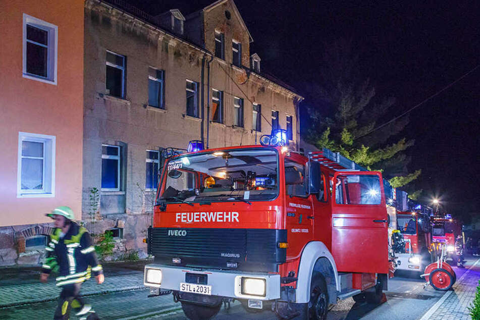 Die Feuerwehr war mit einem Großaufgebot in Oelsnitz vor Ort.