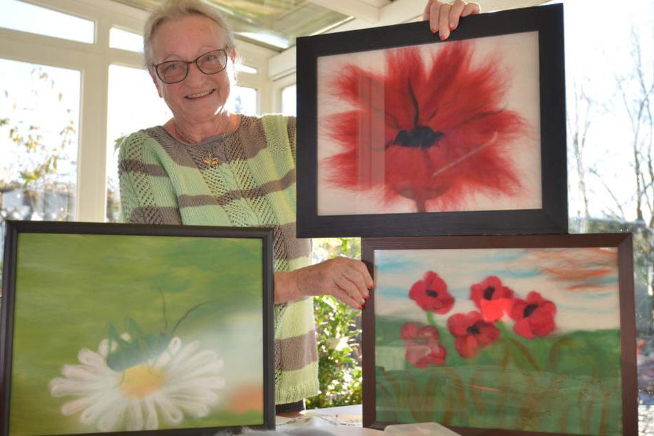 Künstlerin Barbara Haubold (69) kreiert mit viel Leidenschaft Bildmotive aus Merinowolle. Aktuell stellt sie einige Bilder im Esche-Museum aus.