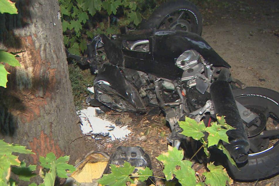 Er wäre demnächst 24 geworden: Biker stirbt auf Berliner Landstraße