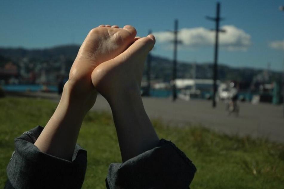 Wer kann, sollte im Sommer einfach mal öfters die Füße hochlegen