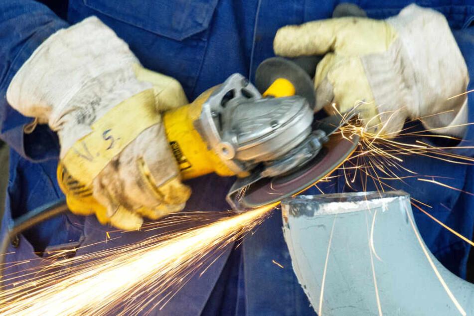 Die bayerische Metall- und Elektroindustrie beschäftigt derzeit noch rund 870.000 Menschen. (Symbolbild)