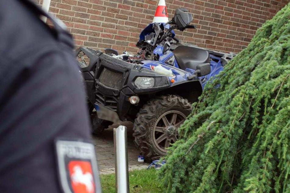 Schwerer Quad-Unfall: Vater und Sohn rasen in Graben