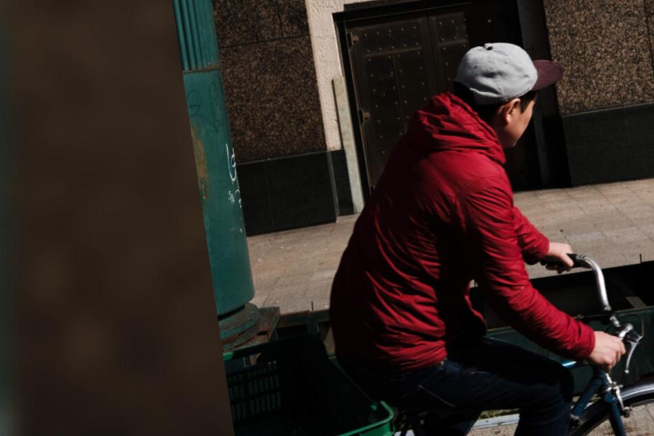 Sachsen: Unbekannter stößt Junge (9) von Rad und klaut es, doch der Fall wendet sich überraschend