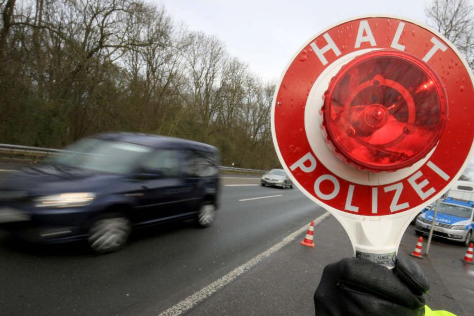 Die Polizisten stoppten den Ferrari-Fahrer. (Symbolbild)