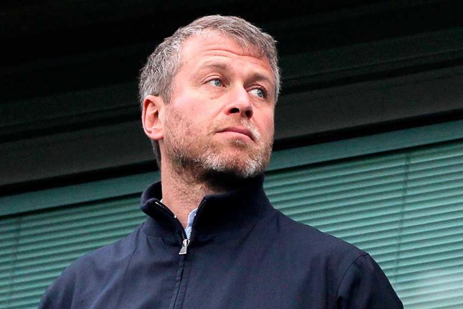 Roman Abranovic soll Millionen Pfund Entschädigung locker machen, damit er sein Wunschstadion bauen kann.