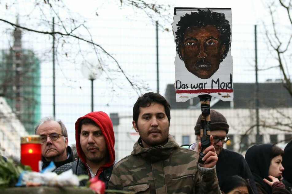 Ob Oury Jalloh seine Zellen-Matratze selbst entzündete, ist noch immer nicht geklärt.