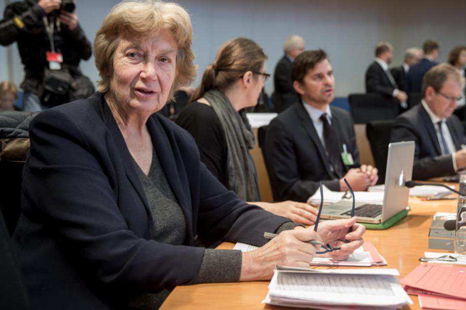 Ombudsfrau Barbara John im NSU-Ausschuss.