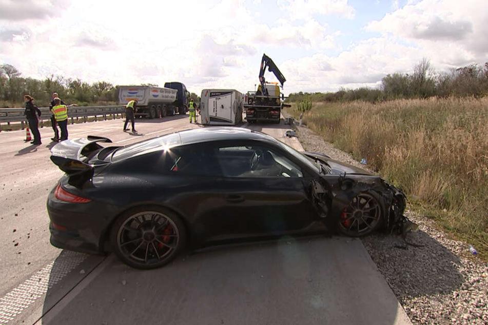Auch dieser Porsche GT3 war in den Unfall auf der A9 bei Bitterfeld-Wolfen verwickelt.