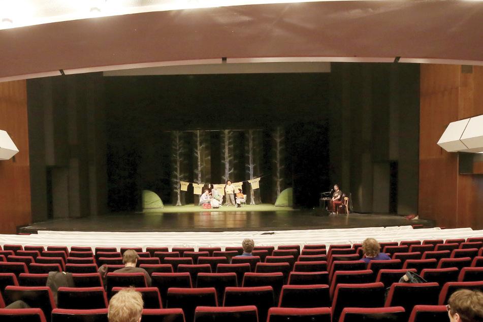 Größere Bühnen werden nach der Corona-Zwangspause wieder bespielt.