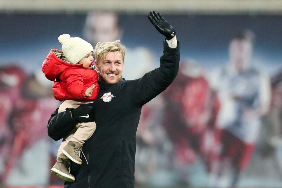 Forsberg mit Töchterchen Florence am Samstag nach dem Spiel gegen Köln.