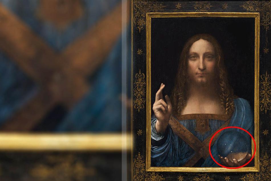 Salvator Mundi, von Leonardo da Vinci soll im November unter den Hammer kommen. Doch was hat es mit der Glaskugel auf sich.