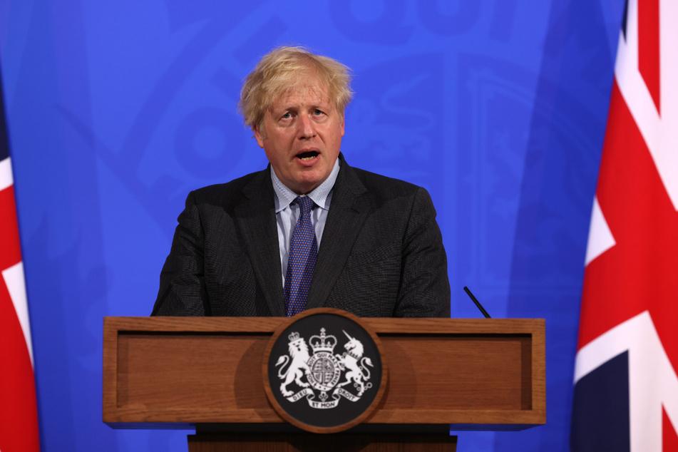 Der britische Premier Boris Johnson (57): Wegen der Ausbreitung der hochansteckenden Delta-Variante müssen die Menschen in Großbritannien doch noch länger auf weitere Corona-Lockerungen warten.
