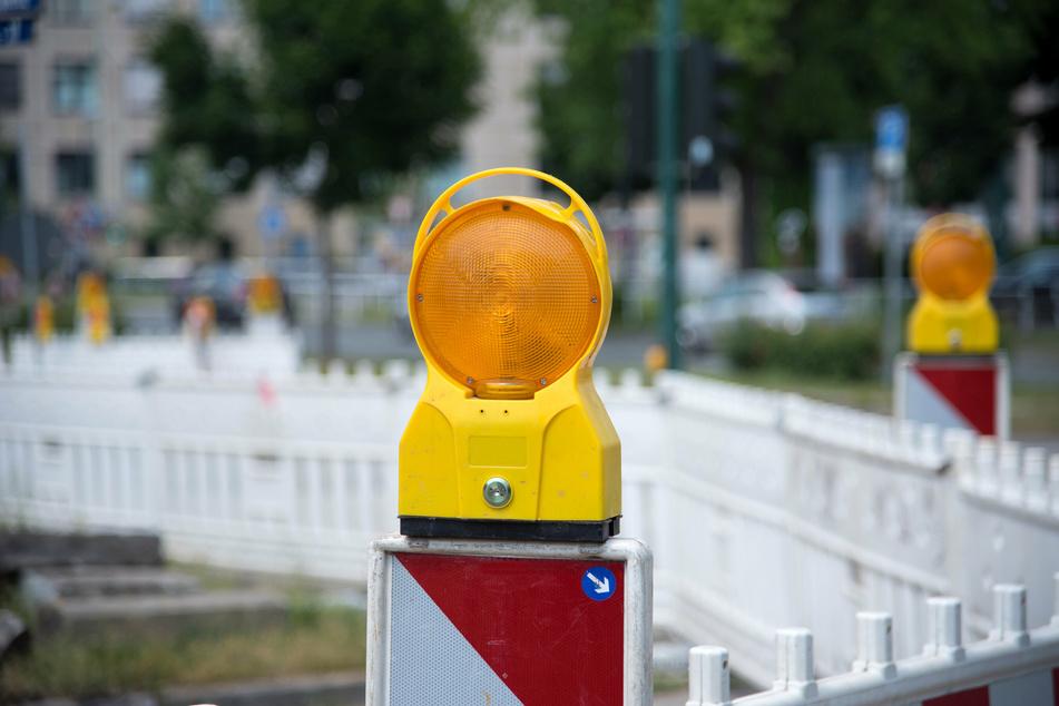 In der kommenden Woche wird unter anderem die Flemmingstraße in Chemnitz halbseitig gesperrt. Der Verkehr wird per Ampel geregelt. (Symbolbild)
