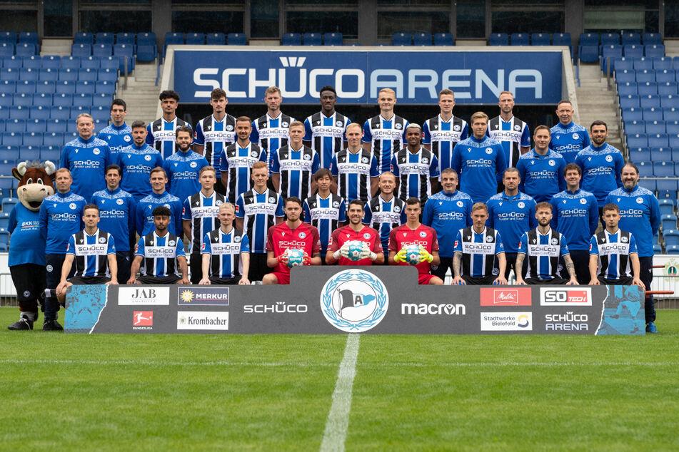 Da ist das Ding. Wie in guten alten Zeiten setzt Arminia Bielefeld auch 2021/22 auf das Mannschaftsfoto.