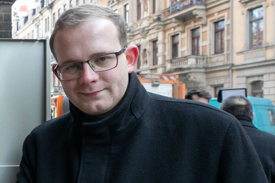 Linken-Stadtrat Christopher Colditz ruft zur Protestkundgebung auf.