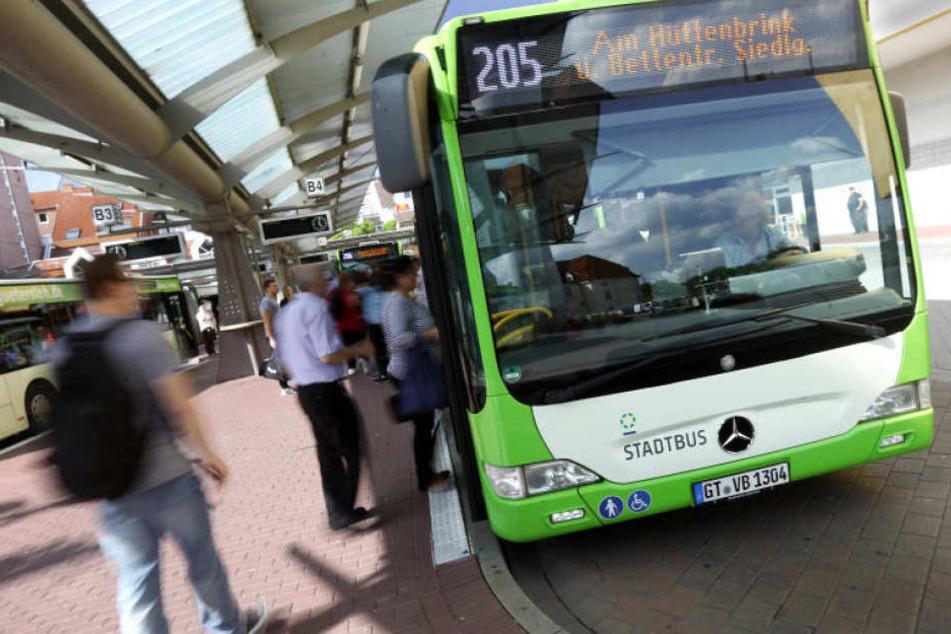 Die 205 ist zwar ein Stadtbus, aber am ZOB in Gütersloh könnten demnächst, zusätzlich zur Linie 71 aus Versmold, auch noch weitere Schnellbusse halten.
