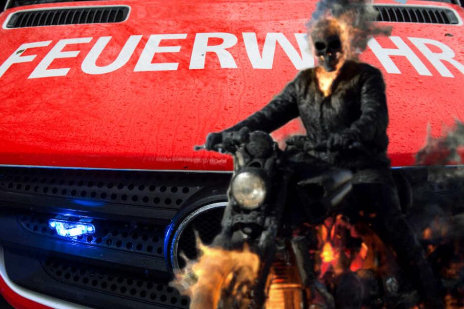 """Gefährlicher """"Ghost Rider""""-Moment: Motorrad gerät bei voller Fahrt in Brand"""