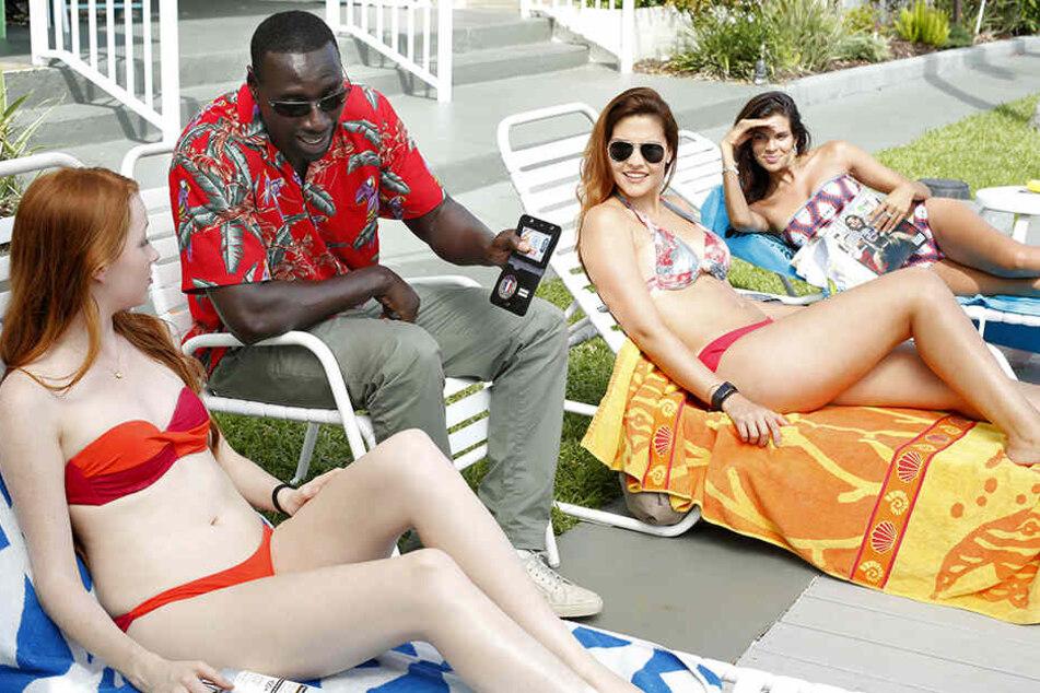 Richtiger Checker: Baaba Keita (Zweiter von links, Omar Sy) mischt in Miami nicht nur die Koks-Schmuggler auf.