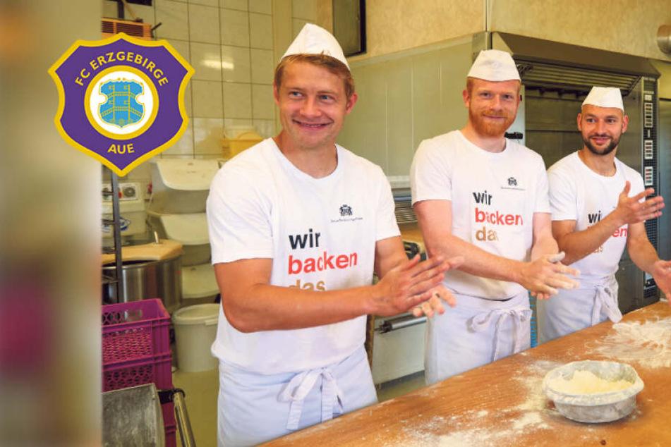 In der Weihnachtsbäckerei: FCE-Kicker kneten Auer stollen
