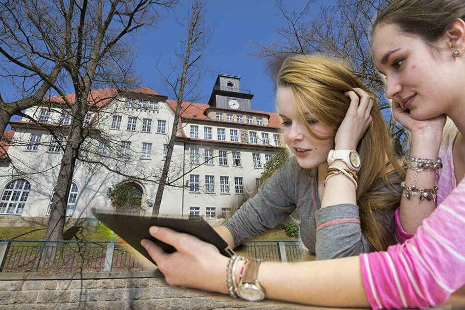 Weil Lehrer fehlen : An dieser Schule sollen Schüler mit YouTube lernen
