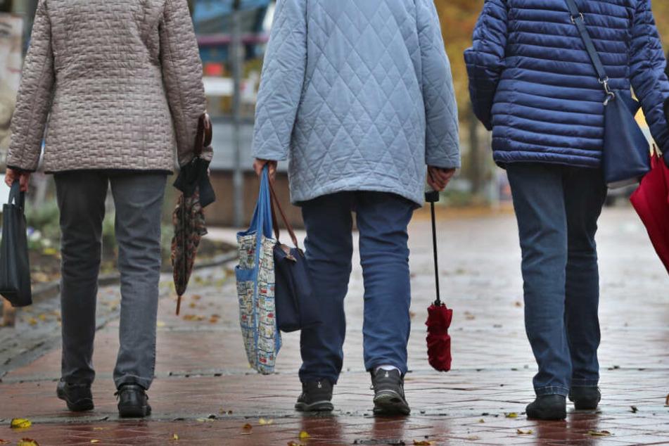 """Die Grünen mögen wohl Fußgänger nicht mehr besonders. In einem Antrag war jetzt konsequent von """"Zufußgehenden"""" die Rede. (Symbolbild)"""