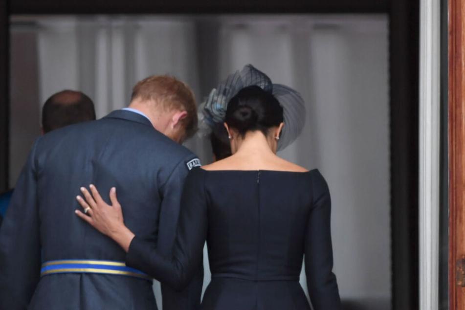 Und tschüss! Herzogin Meghan und Prinz Harry wollen sich aus dem britischen Könighaus zurückziehen.