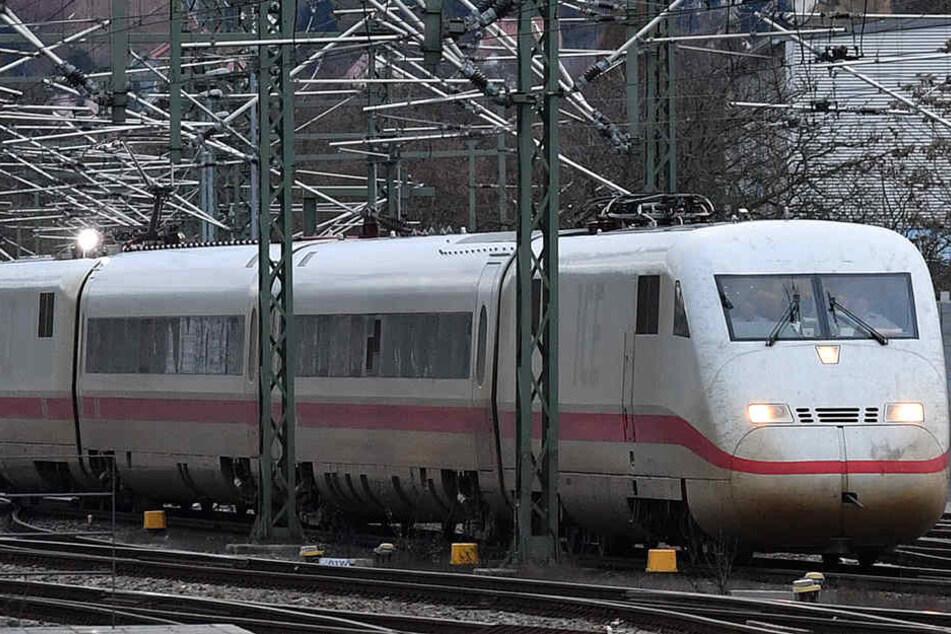 Bahnfahrer in Thüringen müssen sich am Sonnabend auf einige Behinderungen einstellen.