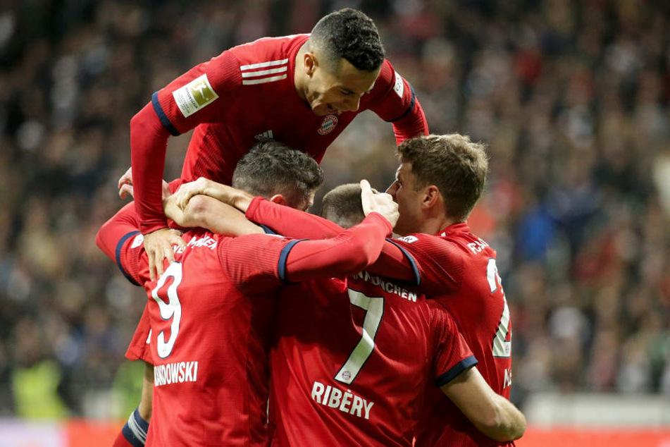 Der FC Bayern gewann das letzte Spiel vor der Winterpause souverän.