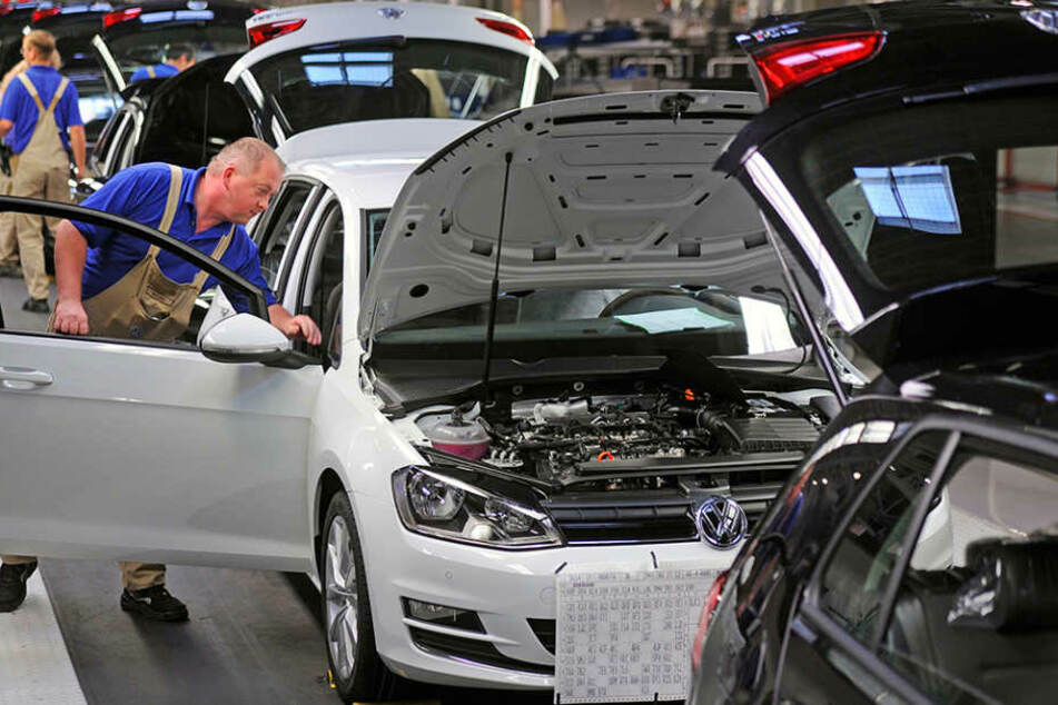 Die Produktion in den betroffenen VW-Standorten wird wieder aufgenommen.