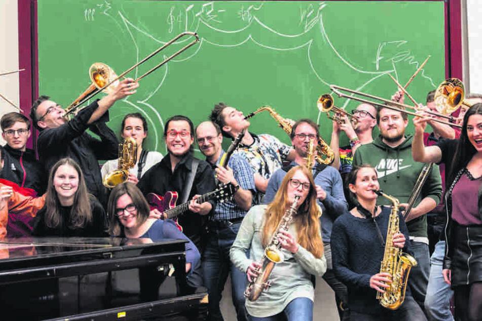 """Die """"TU Big Band"""" swingt seit fast zwei Jahrzehnten über den Campus. Aktuell werden neue Musiker gesucht."""