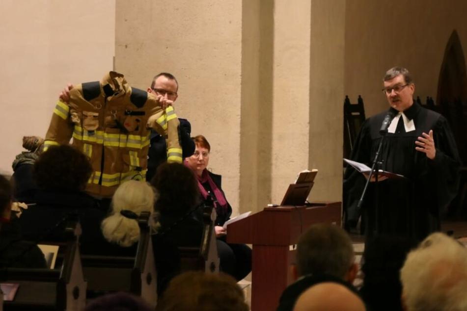Im Laufe der Gedenkstunde wurde auch den Helfern am Tag des Geschehens gedankt.