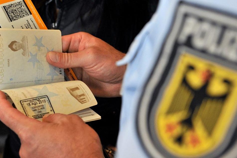 Jeder, der aus einem Nicht-Schengen-Land einreist, wird jetzt mit Fahndungsdateien abgeglichen.