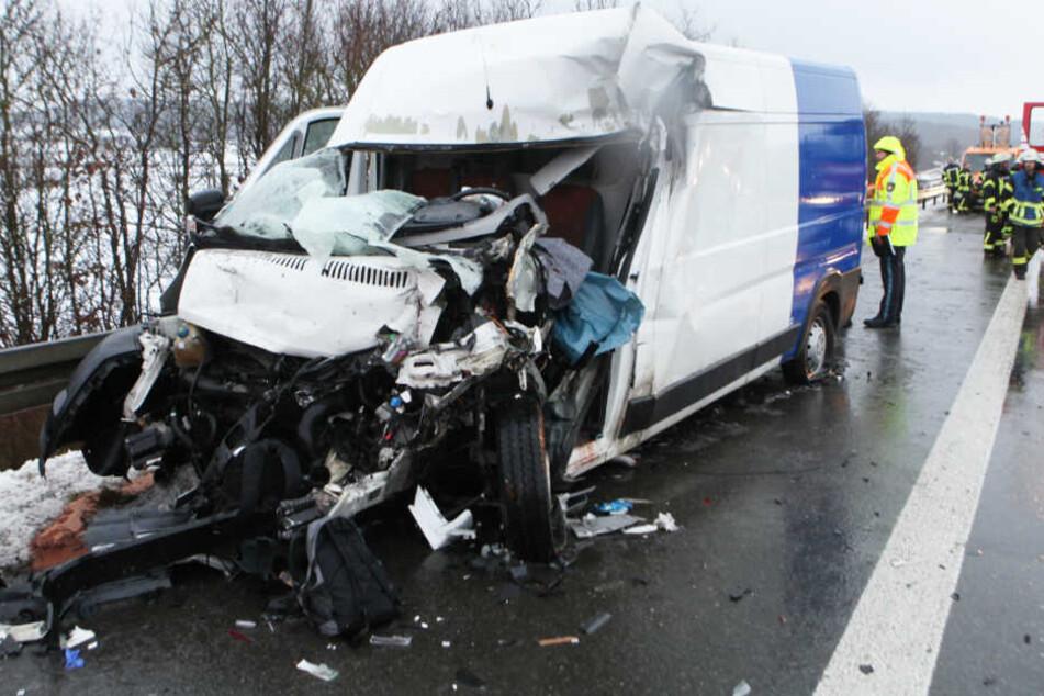 In Bayern ist es auf der Autobahn 6 zu einem schweren Verkehrsunfall gekommen.
