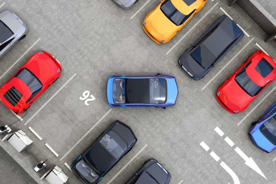 Sowohl vorwärts als auch rückwärts schaffte es ein Autofahrer in Gotha nicht, sein Fahrzeug ordentlich einzuparken.
