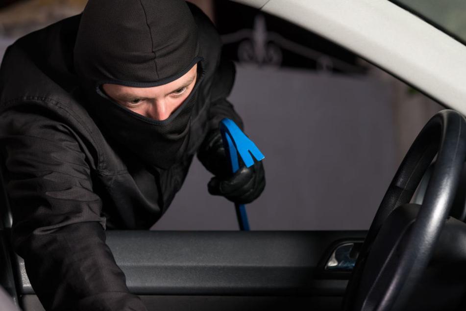 Festnahme: Jugendliche brechen Autos auf, 100.000 Euro Schaden
