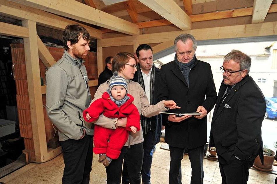 Besuch vom Staatsminister: Thomas Schmidt (57) überzeugt sich persönlich, wohin die Gelder des Staatsministeriums fließen.