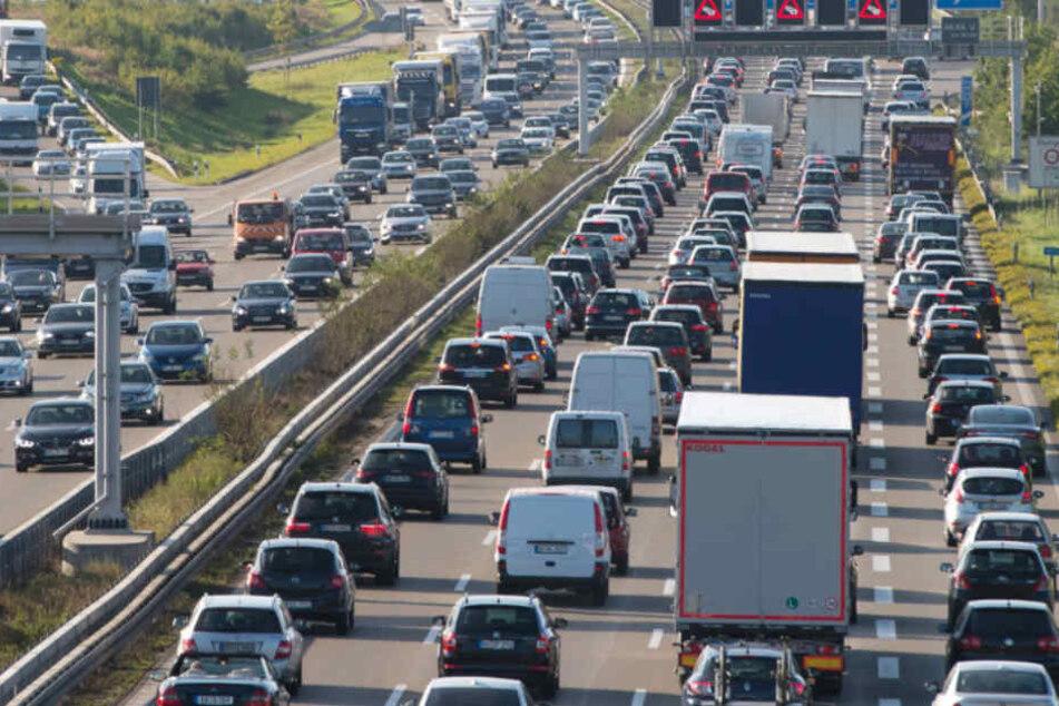 Der Verkehr staute sich nach dem Crash auf mehr als einem Dutzend Kilometern. (Symbolbild)