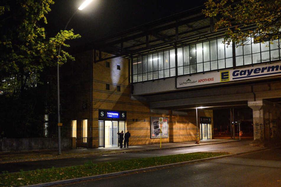 Am S-Bahnhof Schichauweg in Berlin-Lichtenrade wurde am Donnerstagmorgen ein Polizist in Zivil niedergestochen.