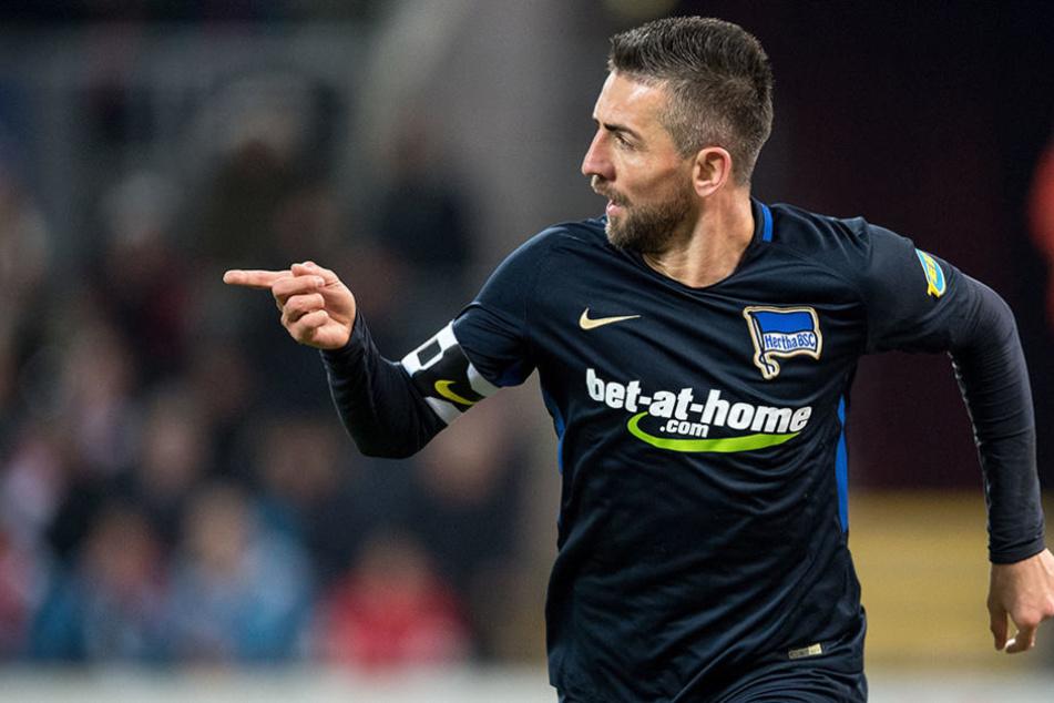 Herthas Torschütze Vedad Ibisevic jubelt nach seinem Treffer zur 1:0 Führung.