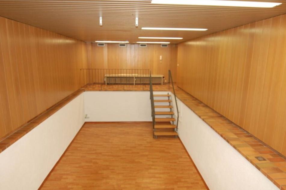Bei dieser Souterrain-Wohnung handelt es sich um ein ehemaliges Schwimmbad.