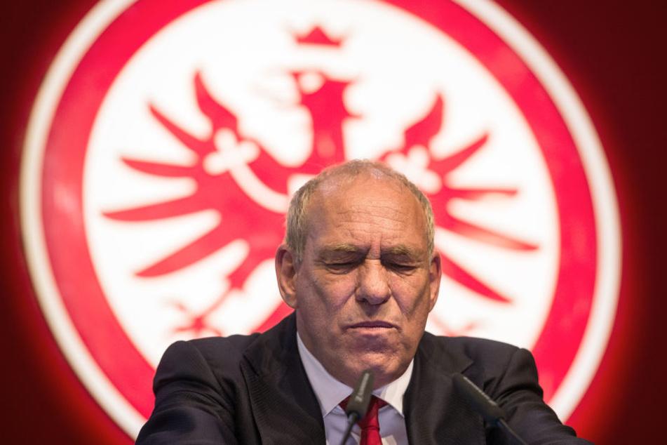 Der Eintracht-Präsident steht im Zwist mit der hessischen AfD.