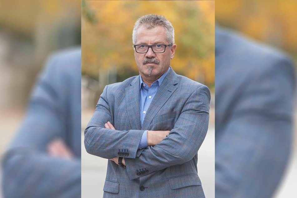 Überraschung: Das Haus der Familie wird nicht verkauft, so Bürgermeister Miko Runkel (56, parteilos). Stattdessen zieht ein freier Träger ein.