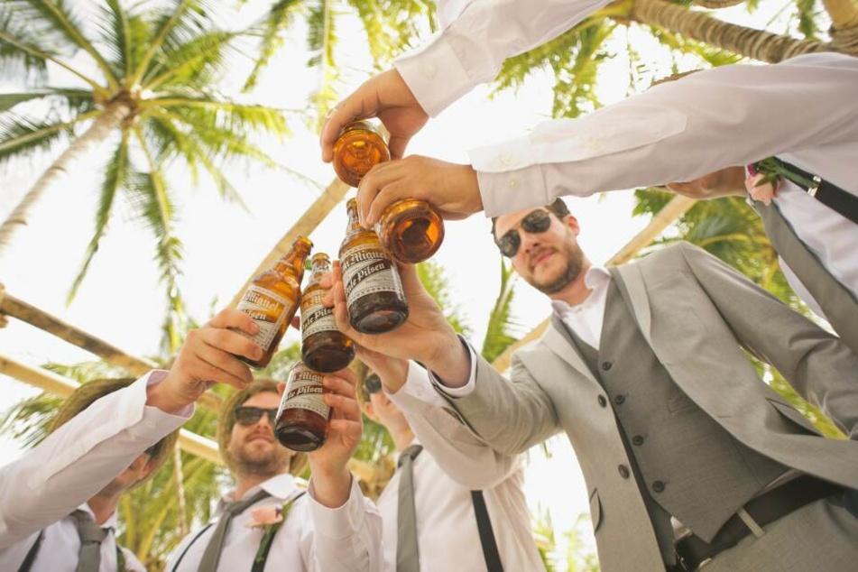 Der Junggesellenabschied sollte auf Ibiza stattfinden. Stattdessen klaute die Braut das Geld. (Symbolbild)
