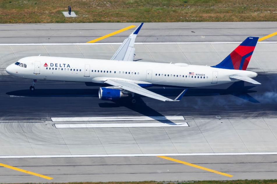 Eine Delta-Airlines-Maschine am Los Angeles Airport (LAX) (Symbolbild).