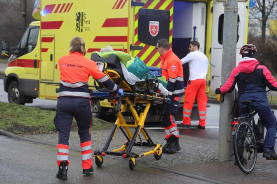 Die verletzten Personen wurden in ein Krankenhaus gefahren.