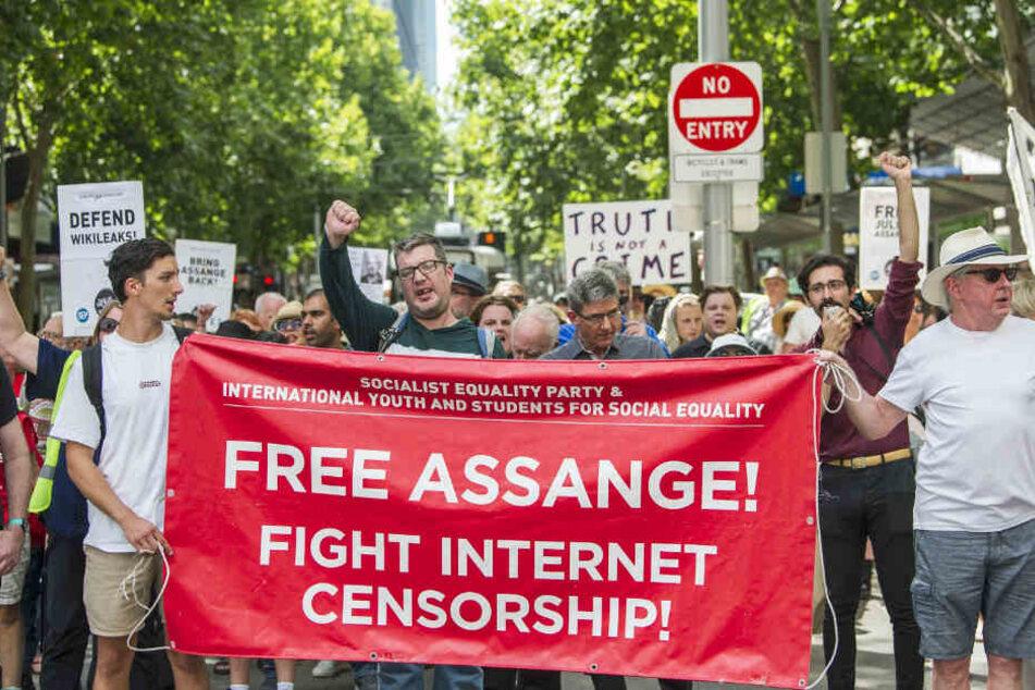 Protest auch im australischen Melbourne: Anhänger des Wikileaks-Gründers Assange demonstrieren am vergangenen Sonntag gegen dessen Auslieferung an die USA.